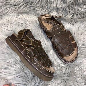 Vtg UO vegan platform brown chunky sandal 8.5